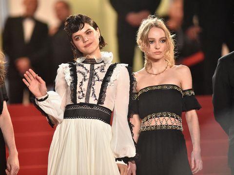 "<p>榮獲法國凱薩獎最佳服裝設計的電影《狂舞摯愛》,五月即將在台上映,除了劇中的夢幻舞衣與19世紀古典衣裝之外,法國歌手Soko化身知名舞蹈家Loïe Fuller,與Lily Rose Depp詮釋的現代舞之母Isadora Duncan,張力十足的精采對戲,同樣值得矚目。<span class=""redactor-invisible-space"" data-verified=""redactor"" data-redactor-tag=""span"" data-redactor-class=""redactor-invisible-space""></span></p>"