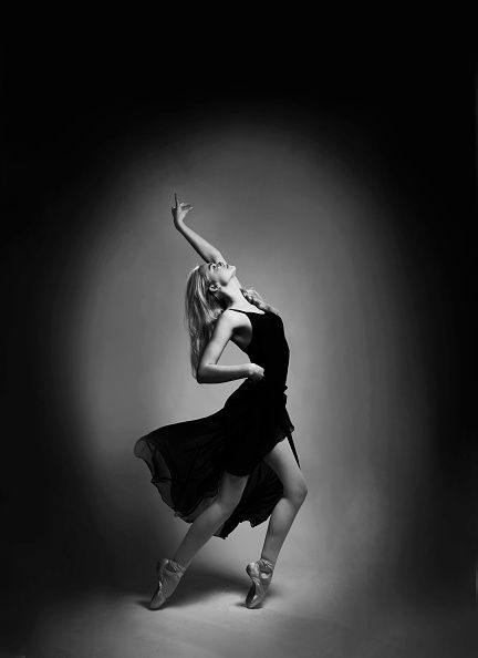 Black, Athletic dance move, White, Dancer, Black-and-white, Dance, Modern dance, Choreography, Performing arts, Monochrome,
