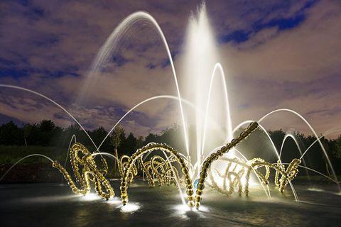 Nature, Liquid, Water feature, Landmark, Font, Fountain, Arch, Nonbuilding structure,