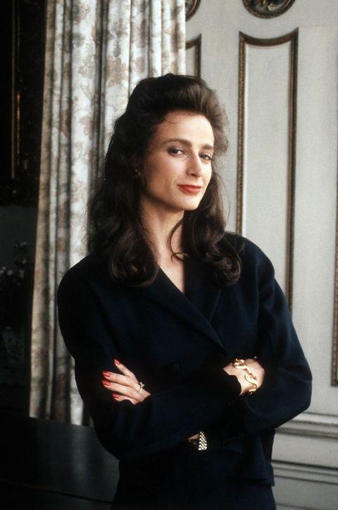 Sleeve, Collar, Formal wear, Blazer, Black hair, Curtain, Long hair, White-collar worker, Portrait, Window treatment,