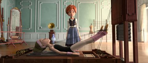 "<p>《芭蕾奇緣》這部電影的動畫製作歷時7年,法國導演Eric Summer對細節十分考究,光是將時代設定在19世紀的巴黎就得在前置作業上下足功夫!大量搜尋19世紀法國照片資料、製作出建造中的巴黎艾菲爾鐵塔、巴黎歌劇院內沒有組裝完成的各種雕像⋯⋯等等。為了劇中角色表現芭蕾舞的動作能精準到位,劇組找來最專業的人才設計-Benjamin Millepied,他既是《黑天鵝》的知名編舞家,也是演員Natalie Portman的老公。Benjamin Millepied接下這項任務擔任這次的電影動作設計,讓劇中舞蹈畫面更為細緻,優雅而富有力道!  <span class=""redactor-invisible-space"" data-verified=""redactor"" data-redactor-tag=""span"" data-redactor-class=""redactor-invisible-space""></span></p><p>《芭蕾奇緣》劇情充滿童趣,劇中孩子為了朝目標前進而不斷努力的心境,或許能讓每天繁忙奔夢的大人找回純粹初心。這部動畫不單是講述一場追夢冒險,觀賞電影時也能隨著畫面驚嘆19世紀尚在建設中的巴黎花都風貌。<em data-redactor-tag=""em"" data-verified=""redactor""><span class=""redactor-invisible-space"" data-verified=""redactor"" data-redactor-tag=""span"" data-redactor-class=""redactor-invisible-space""></span></em><br></p><p><em data-redactor-tag=""em"" data-verified=""redactor""><span class=""redactor-invisible-space"" data-verified=""redactor"" data-redactor-tag=""span"" data-redactor-class=""redactor-invisible-space""><iframe width=""500"" height=""281"" src=""//www.youtube.com/embed/KtV9aMZ3_H0"" frameborder=""0"" allowfullscreen=""""></iframe><span class=""redactor-invisible-space"" data-verified=""redactor"" data-redactor-tag=""span"" data-redactor-class=""redactor-invisible-space""></span><br></span></em></p>"