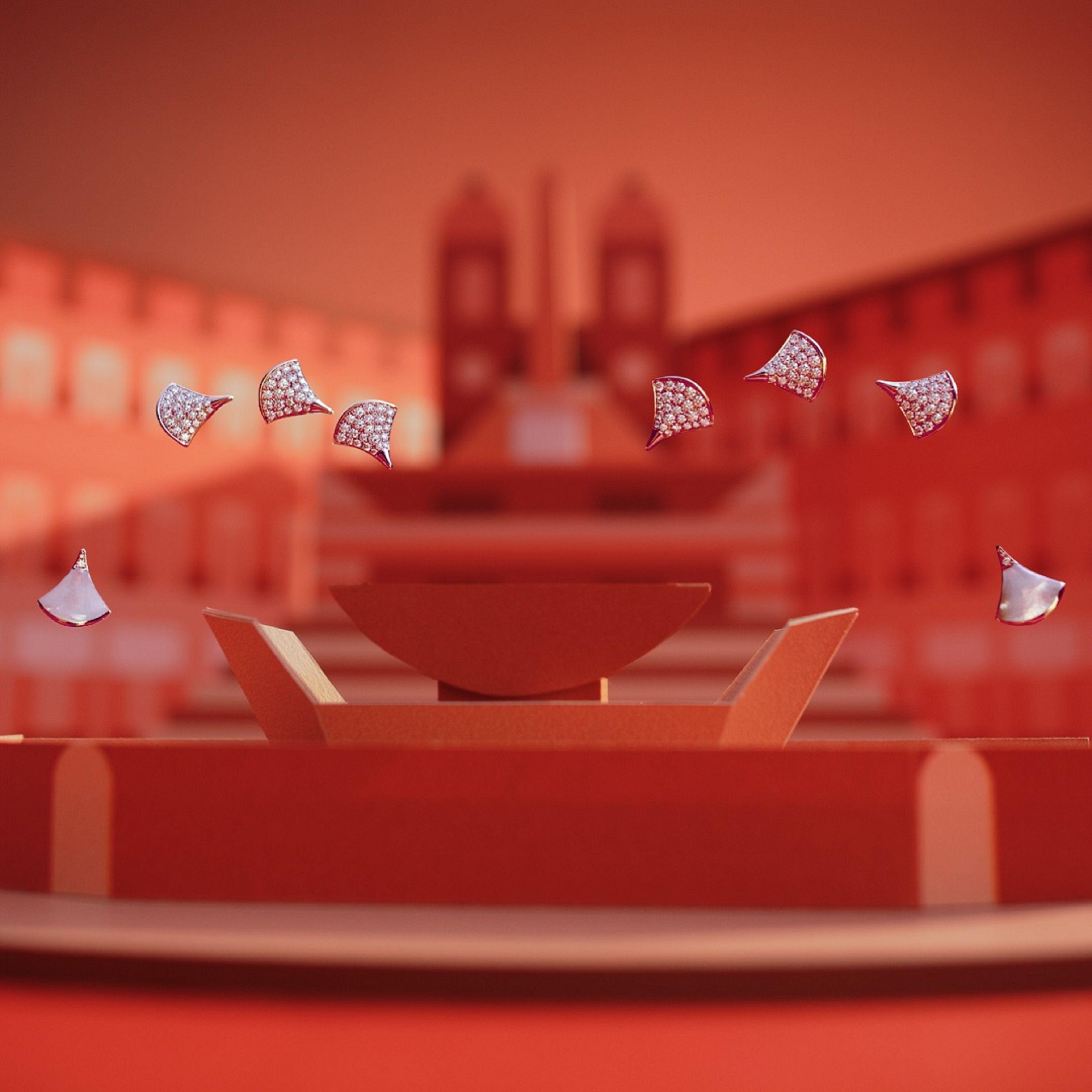 "<p>而由義大利知名導演兼影片製作人Virgilio Villoresi特別為寶格麗製作的羅馬假期廣告影片,則以趣味橫生的手法,散播珠寶的華麗精神,申明BVLGARI享樂主義至上,活在當下的生活態度。在特定活動日,BVLGARI店面也將提供LVMH集團旗下米蘭百年甜點老店COVA的傳統義式冰淇淋,傳遞最正統的義式風味。<span class=""redactor-invisible-space""></span></p>"
