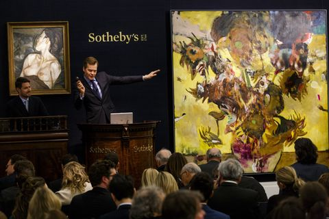 Painting, Event, Art, Public speaking, Tourist attraction, Crowd, Audience, Visual arts, Museum, Artist,