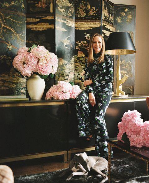 Room, Flower, Pink, Interior design, Interior design, Lamp, Lampshade, Picture frame, Peach, Flowerpot,