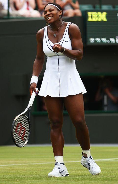 """<p>現代的網球裙裝在剪裁上做了更俐落的修飾,美國頂尖網球選手Serena Williams除了精湛球技,每每出賽時的裝束也成了場上話題;全白的連身裙以黑色線條勾勒,黑白搭配時髦之餘更顯簡斂、專業。<span class=""""redactor-invisible-space"""" data-verified=""""redactor"""" data-redactor-tag=""""span"""" data-redactor-class=""""redactor-invisible-space""""></span></p>"""