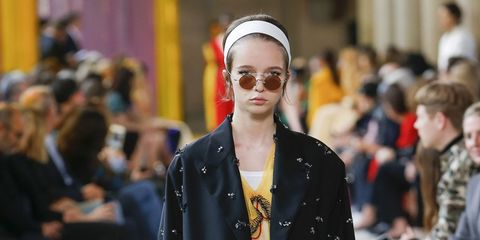 Fashion, Runway, Fashion show, Street fashion, Clothing, Fashion model, Outerwear, Footwear, Human, Shoulder,