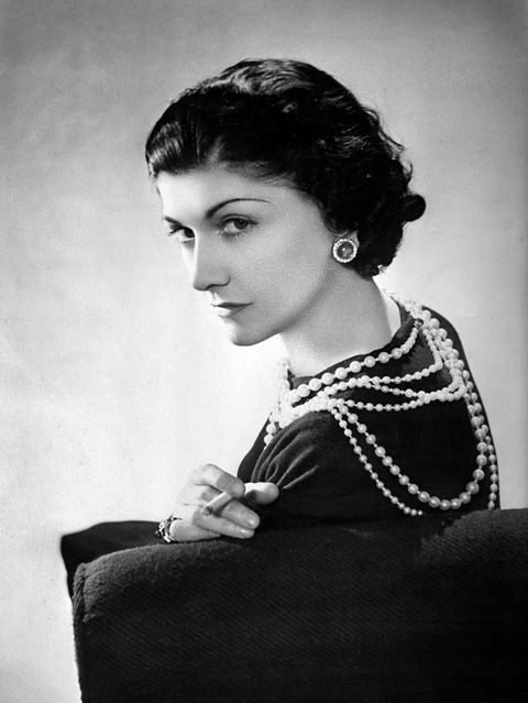 "<p>Adornment, what a science! Beauty, what a weapon! Modesty, what elegance!-Coco Chanel</p><p><strong data-redactor-tag=""strong"" data-verified=""redactor"">延伸閱讀</strong>>>><a href=""http://www.harpersbazaar.com.tw/fashion/news/g1576/things-you-need-to-know-about-chanel/"" target=""_blank"" data-tracking-id=""recirc-text-link"">時裝界最深刻的革命傳奇,CHANEL的8個KEYWORDS</a><span class=""redactor-invisible-space"" data-verified=""redactor"" data-redactor-tag=""span"" data-redactor-class=""redactor-invisible-space""><a href=""http://www.harpersbazaar.com.tw/fashion/news/g1576/things-you-need-to-know-about-chanel/""></a></span><br></p>"