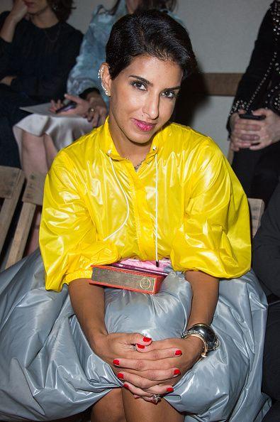 <p>2006年,Deena和朋友在沙烏地阿拉伯首都利雅德開了一家精品店,引進了眾多前衛品牌,包含Maison Margiela、Veronique Branquinho等。此外,她也提供顧客修改服務,讓服裝可以符合中東女性的衣著需求;而她也積極提拔了許多新銳設計師,補助其教育、創業基金,Prabal Gurung、Erdem都名列在其中。Deena為中東世界帶來了史無前例的時尚氣息,代表中東女性踏入國際時尚圈。</p>