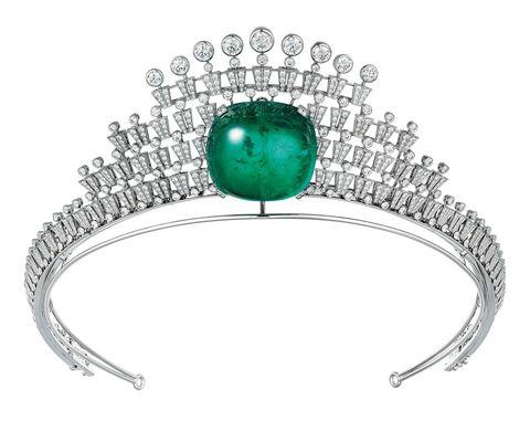 <p>冠冕項鍊,Cartier。</p>