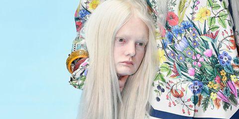 Hair, Beauty, Blond, Hairstyle, Headgear, Long hair, Photography, Fashion accessory, Feathered hair, Hair accessory,