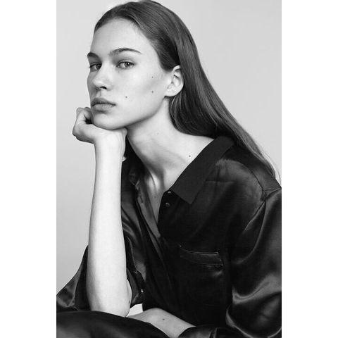 Hair, Leather, Beauty, Leather jacket, Model, Jacket, Hairstyle, Black-and-white, Photo shoot, Lip,