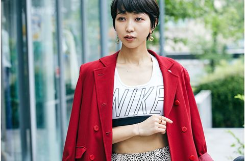 Clothing, Street fashion, Red, Outerwear, Beauty, Snapshot, Fashion, Blazer, Cardigan, Shoulder,