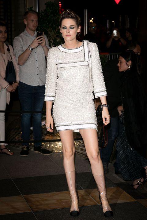 Fashion model, Clothing, Fashion, Leg, Dress, Cocktail dress, Fashion show, Shoulder, Event, Haute couture,