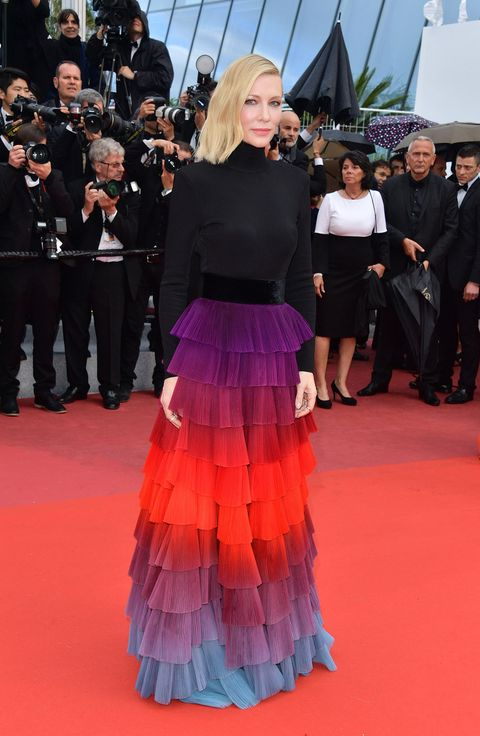 Red carpet, Carpet, Premiere, Flooring, Dress, Event, Fashion, Pink, Gown, Haute couture,