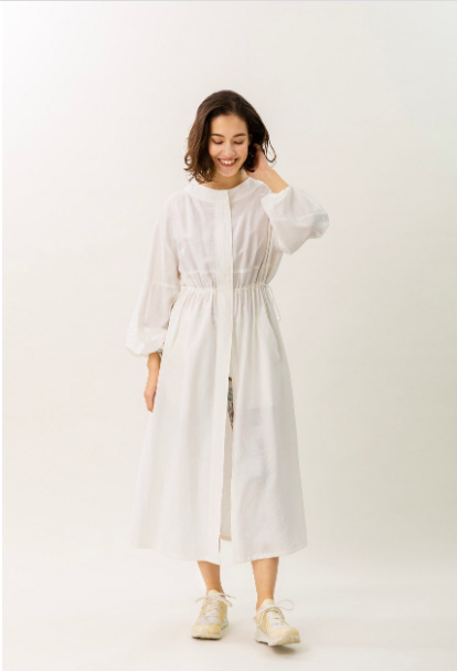 White, Clothing, Robe, Nightwear, Dress, Sleeve, Outerwear, Neck, Nightgown, Gown,