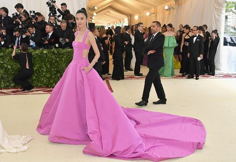 Gown, Dress, Pink, Clothing, Formal wear, Haute couture, Strapless dress, Event, Fashion, Shoulder,