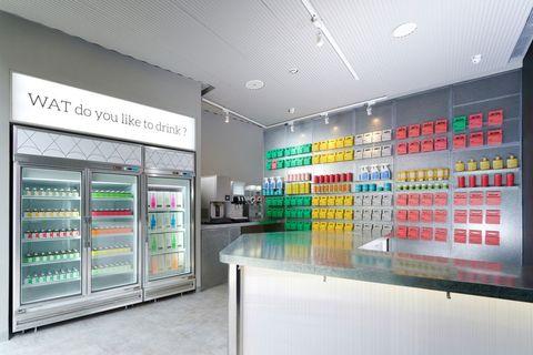 信義區新酒吧開幕!WAT Super打造全台首家「瓶裝雞尾酒」商店、店內結合隱藏酒吧