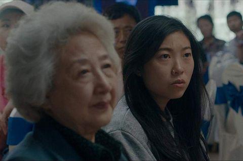 奧卡菲娜(Awkwafina)改寫金球獎歷史!首位亞裔女演員勇奪女主角獎項