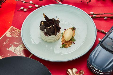 台北晶華 甜點則以擁有80多年歷史 世界著名的德國甜點黑森林蛋糕向德國品牌致敬