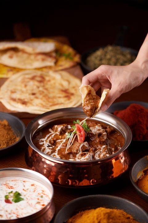 美福彩匯buffet限時推出「港式明爐片鴨、印度坦都烤肉吃到飽!」還能單點奶油龍蝦鉗、焗烤大生蠔、板煎牛排