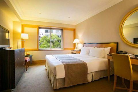 Room, Bedroom, Furniture, Bed, Property, Suite, Interior design, Building, Bed frame, Ceiling,