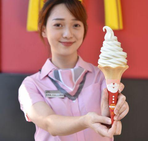 台灣麥當勞大玩萌行銷!大蛋捲冰淇淋聖誕新裝亮相 歡樂送暖心文具「雙色鉛筆」