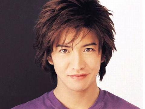 Hair, Face, Hairstyle, Forehead, Chin, Eyebrow, Head, Black hair, Cool, Layered hair,