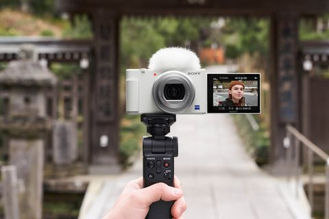 sony推出「晨曦白」zv 1 相機!史上最熱賣vlog相機、內附白色毛毛麥克風