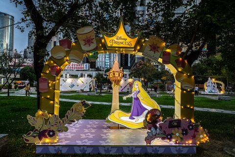 新北耶誕城必逛「迪士尼公主的童話森林」、「小木偶皮諾丘的家」