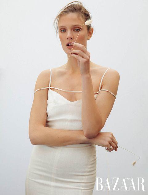 「擁抱真實自我,是一件很酷的事!」超模constance jablonski暢談時尚圈保持自信的獨到哲學