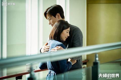 由金喜愛、朴海俊、韓素希主演的韓劇《夫婦的世界》