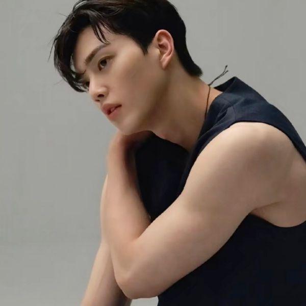 《無法抗拒的他》宋江飾演最帥渣男!私下身材精壯被譽為「流氓寬肩男神」