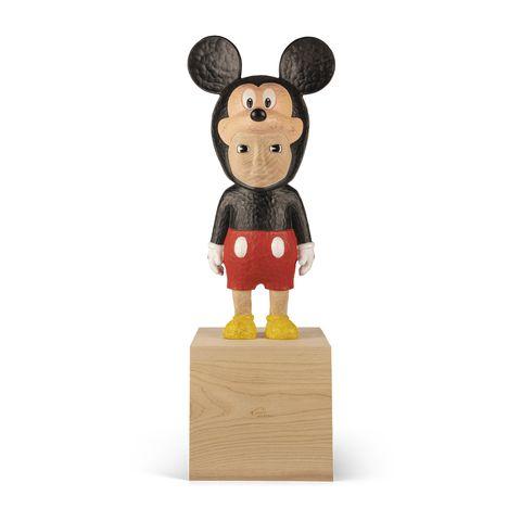 2021羅芙奧春拍登場!奈良美智玩轉政治嘲諷、日本藝術家小泉悟攜手迪士尼打造「木雕」米老鼠