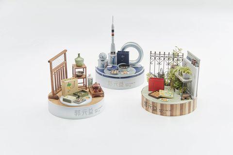 田中智為三款合作月餅設計微型場景。