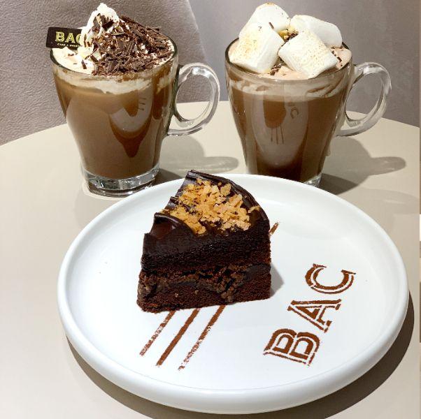 巧克力控注意!全台首家bac咖啡廳門市進駐百貨、推出「用喝的巧克力蛋糕」苦甜風味超醇厚