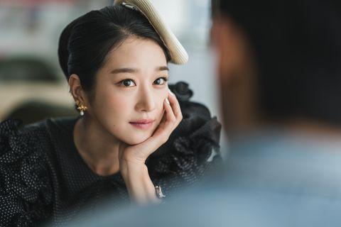 金秀賢新劇《雖然是精神病但沒關係》