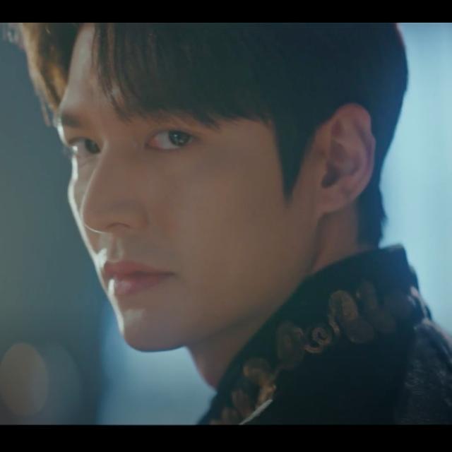 李敏鎬《The King:永遠的君主》預告釋出!回眸一句「「我是韓帝國的皇帝」真的帥爆