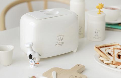 本篇bazaar要來推坑大家韓國最新「史努比烤麵包機」、「史努比抹刀醬料碟」以及「史努比木盤」整套高質感早餐用具,讓史努比陪你啟動一天活力!