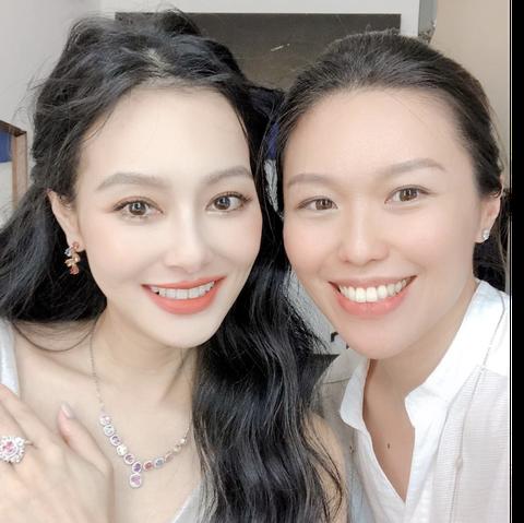 台灣輕珠寶品牌設計師tracey chen與王思佳