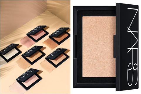 Eye shadow, Eye, Organ, Beige, Room, Face powder, Paper product,