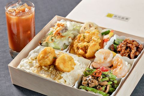 台北5家餐廳美食外送推薦!除了日式豬排、泰式燉飯之外,龍蝦牛排也能送到家!
