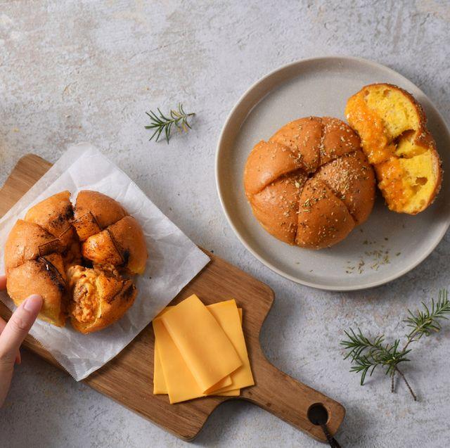 布里王子の麵包廚房聯名真芳推出韓國爆紅裝蒜包,限時快閃販售!