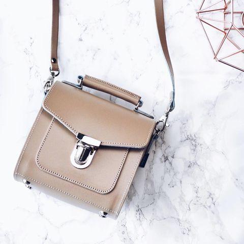 Bag, Handbag, White, Leather, Shoulder bag, Fashion accessory, Beige, Brown, Tan, Kelly bag,