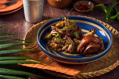 烤寨「泰國潑水節限定菜單」登場!滷豬腳飯、戰斧豬排,不用出國就能嘗到道地泰式美食