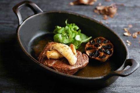 台北喜來登安東廳推出「乾式熟成台灣牛排」