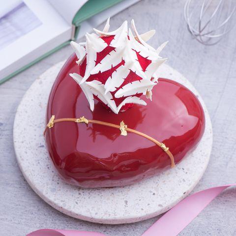 2021母親節蛋糕推薦總整理!夢幻緞帶禮物、可以吃的玫瑰花、辣蛋糕⋯今年就送媽媽最特別的