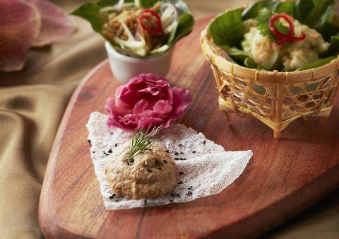 台北喜來登「蘇可泰」力邀曼谷米其林一星名廚客座!推出創新菜色酥炸明蝦蟹肉酪梨塔塔、蟹肉咖哩佐泰式米粉