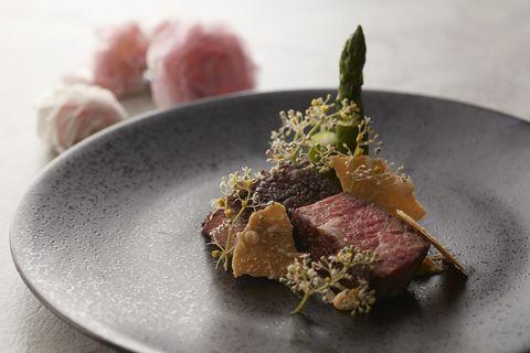 Dish, Food, Cuisine, Tataki, Ingredient, Venison, À la carte food, Recipe, Produce, Meat,