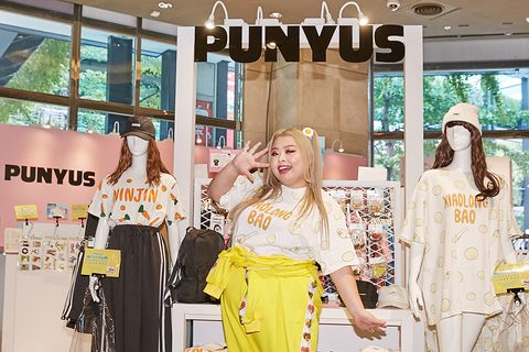 Yellow, Fashion, Street fashion, Boutique, Fashion design, Shopping, Dress, Display window, Fashion accessory, Costume,