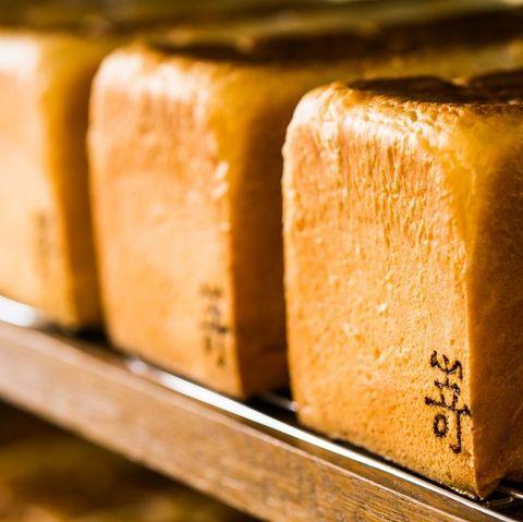 日本人氣生吐司「嵜本sakimoto bakery」聯手bt21,推7種限定包裝「極葡萄生吐司」